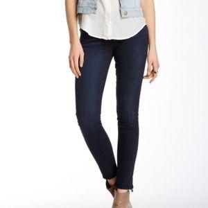 NWT - J Brand Mid Rise Skinny Leg Size 32/12